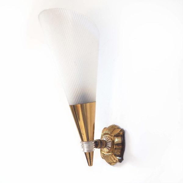applique murale cone laiton plexi années 50