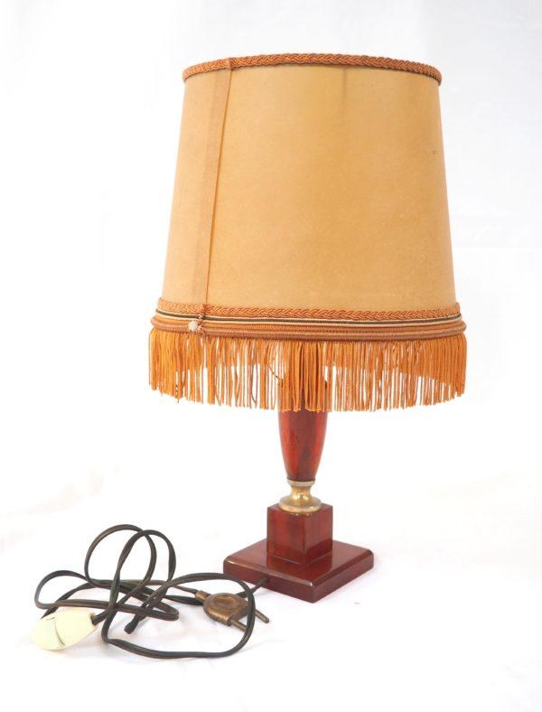 petite-lampe-neclassique-bakelite-2